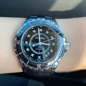 Chanel J12 38mm automatic with diamond